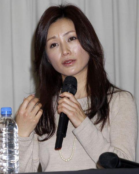 野島氏との恋はマスコミの注目の的だった(C)日刊ゲンダイ
