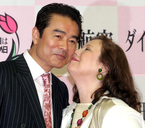 勝野洋・キャシー中島 出会ってわずか1カ月でスピード婚約 日刊 ...
