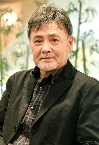心理学者役で出演/(C)日刊ゲンダイ