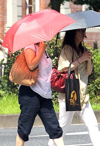 北海道では37.8度も /(C)日刊ゲンダイ