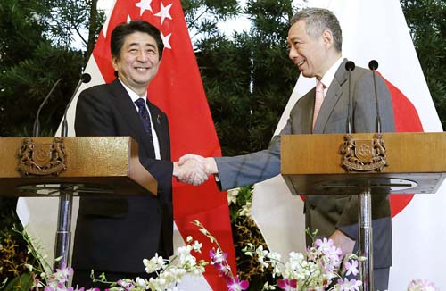 シンガポールのリー首相を訪問/(AP)