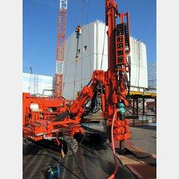 2日の凍土遮水壁設置工事の様子(東京電力提供)