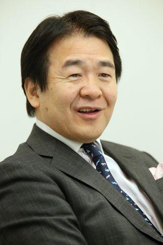 拝金政権に入れ知恵/(C)日刊ゲンダイ