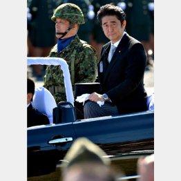 首相が掲げる事例は「フィクション」/(C)日刊ゲンダイ