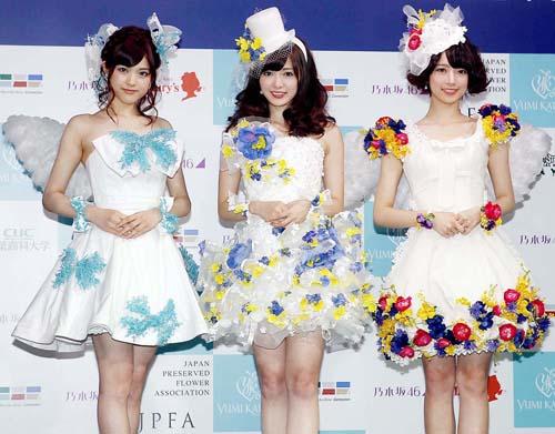 左から松村、白石、橋本/(C)日刊ゲンダイ