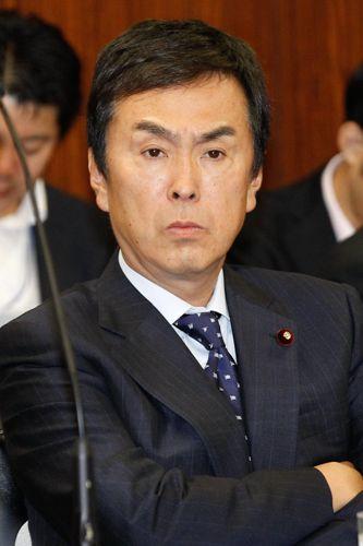SPや機動隊とダイビング/(C)日刊ゲンダイ