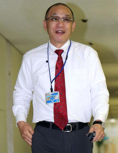ナゴヤ球場にもふらり/(C)日刊ゲンダイ