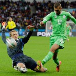 フィールドプレーヤー並み ドイツを救ったノイアーの「足技」