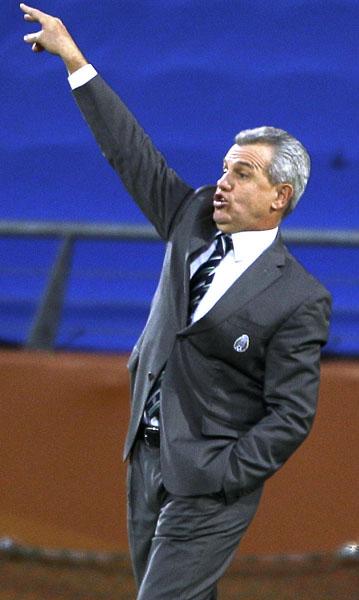 南アW杯でメキシコを指揮するアギーレ氏/(C)AP