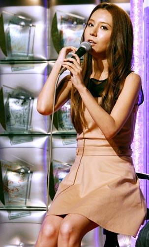アナ 雪 主題 歌 歌手