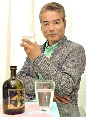 5歳で日本酒を飲まされた/(C)日刊ゲンダイ