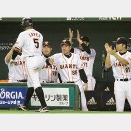 リーグ首位も視聴率は低迷/(C)日刊ゲンダイ
