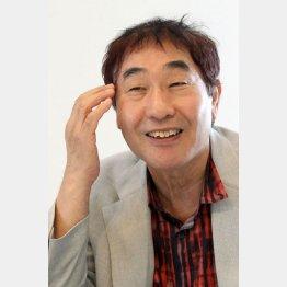 どんな時も悲壮感ゼロ/(C)日刊ゲンダイ