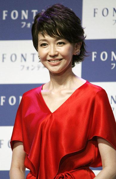 52歳とは思えない美貌/(C)日刊ゲンダイ