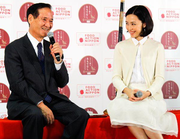 終始ご機嫌/(C)日刊ゲンダイ