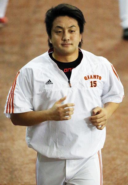お騒がせの沢村投手/(C)日刊ゲンダイ