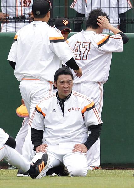 ついに捕手引退を決意した阿部/(C)日刊ゲンダイ