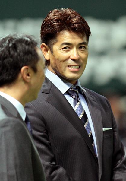 日本シリーズでは解説3連投だった稲葉氏/(C)日刊ゲンダイ