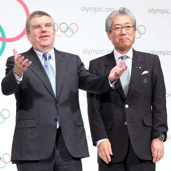 バッハIOC会長(左)と竹田JOC会長/(C)日刊ゲンダイ