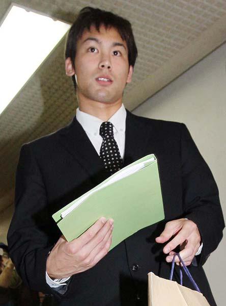冨田は潔白を訴えているが…/(C)日刊ゲンダイ