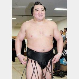 日馬富士は勝つのが精一杯/(C)日刊ゲンダイ