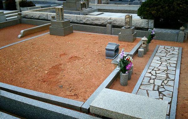 健さんが眠ることになる鎌倉市内のお墓/(C)日刊ゲンダイ