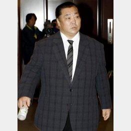 北の湖理事長も気が気じゃない?/(C)日刊ゲンダイ