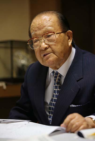 富岡氏は89年の消費税導入から反対し続けた/(C)日刊ゲンダイ
