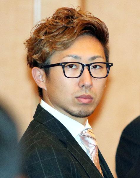 右肘を手術したばかりの金子/(C)日刊ゲンダイ