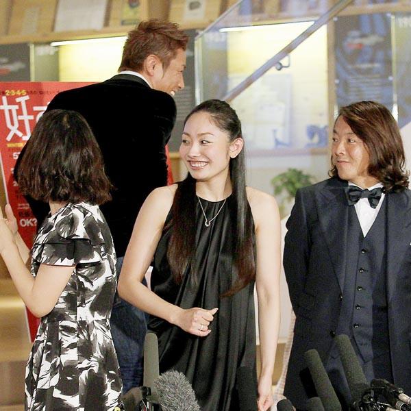 魔裟斗(左から2番目)は嫌気がした?/(C)日刊ゲンダイ