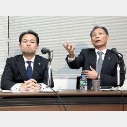 熱弁をふるう原専務理事(左は三好弁護士) (C)六川則夫/ラ・ストラーダ