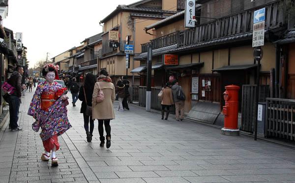 祇園の町並み/(C)日刊ゲンダイ