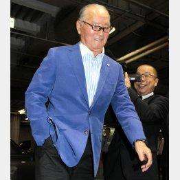 「右手はポケットに」はもうおなじみの長嶋茂雄氏/(C)日刊ゲンダイ