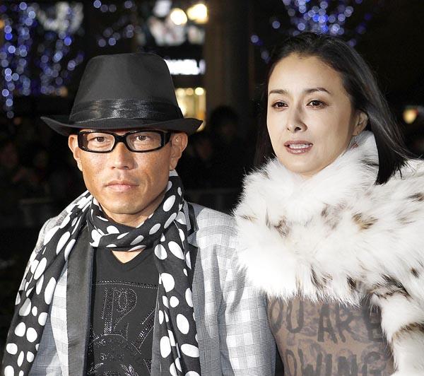 2人が離婚してから1年あまり/(C)日刊ゲンダイ