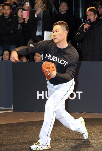イベントで投球を披露したマー君/(C)日刊ゲンダイ