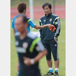 霜田委員長はすでに日本を離れたようだが… (C)六川則夫/ラ・ストラーダ