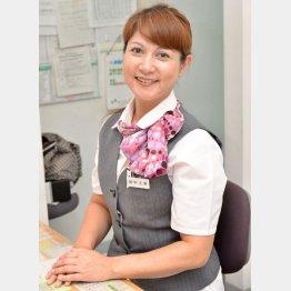 制服姿で迎えてくれた田中久美さん