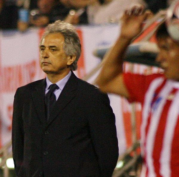 08年キリンカップでコートジボワール監督としてパラグアイと対戦(C)日刊ゲンダイ・高野宏治