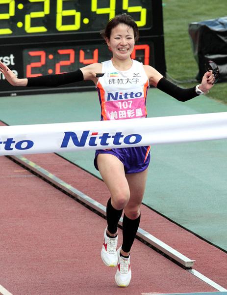 前田選手が頭角を現したのは14年大阪国際女子マラソン(C)日刊ゲンダイ