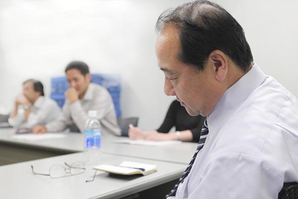 管理職は毎週2日を会議に奪われている(C)日刊ゲンダイ