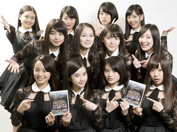 国民的美少女ユニット「X21」(C)日刊ゲンダイ