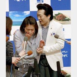 SHIORI(左)に「モラハラ」ならぬ「セクハラ」!?/(C)日刊ゲンダイ