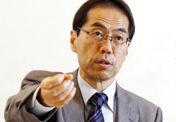 連日メディアに追われる古賀茂明氏(C)日刊ゲンダイ