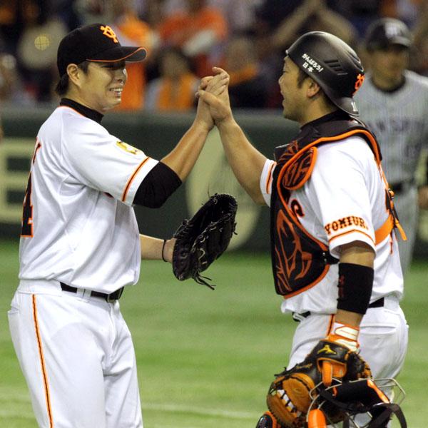 「(捕手の)阿部さんと野手の方のおかげ」と謙虚だった高木勇(C)日刊ゲンダイ