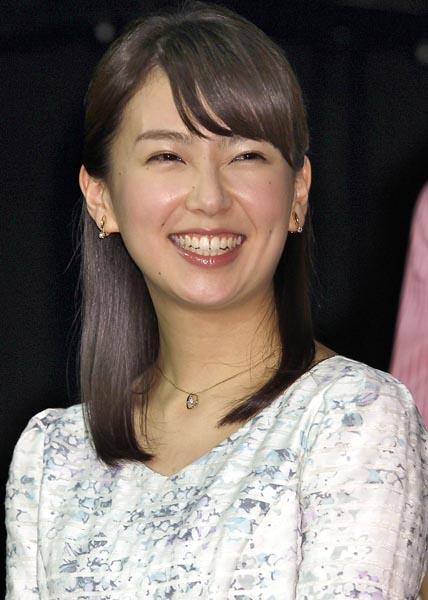 東大経済学部卒の和久田アナ(C)日刊ゲンダイ