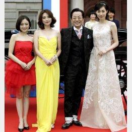 映画「王妃の館」完成披露イベントに登場した水谷豊