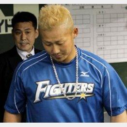 中田翔はオシャレのつもりかもしれないが…(C)日刊ゲンダイ