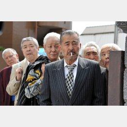 (C)2015『龍三と七人の子分たち』製作委員会 配給: ワーナー・ブラザース映画 /オフィス北野