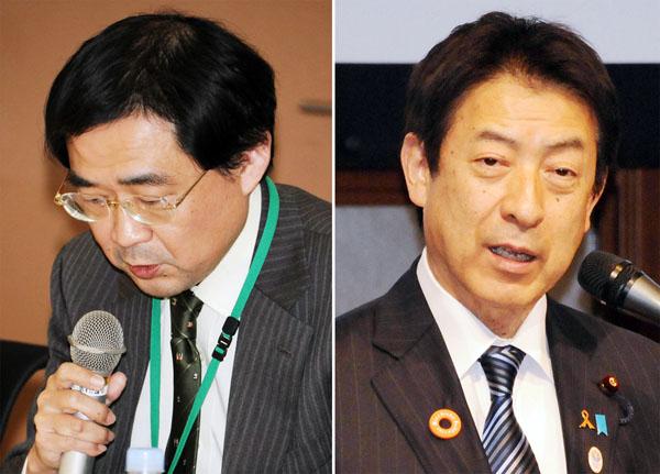 富田望・需給調整事業課長(左)と塩崎厚労相(C)日刊ゲンダイ