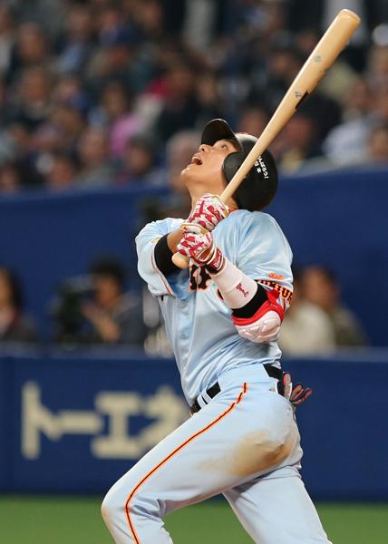 4番坂本の打率はリーグワースト2位(C)日刊ゲンダイ